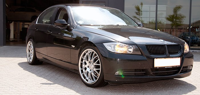 BMW E90 19 Inch Rennsport Wheels03