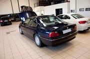 BMW E38 Headlight Tires 04