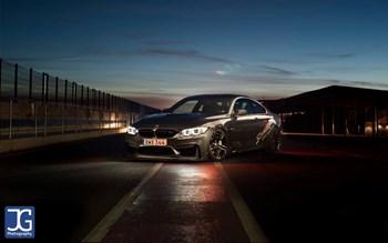 BMW F82 M4 Schmiedmann Sverige On Track Front