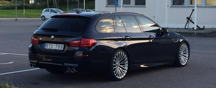 BMW F11 520D M5 Look 01