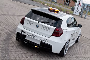 BMW E87 120D DTM Safety Car 1