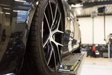 BMW S3 Schmiedmann Faar Monteret Z Performance Vinterfaelge Paa Vaerksted I Odense 3
