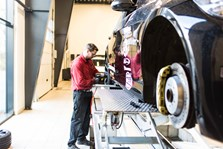 BMW S3 Schmiedmann Faar Monteret Z Performance Vinterfaelge Paa Vaerksted I Odense 5
