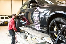 BMW S3 Schmiedmann Faar Monteret Z Performance Vinterfaelge Paa Vaerksted I Odense 9