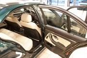 BMW E39 Paa Vaerkstedet Set Indefra Fra Bagdoeren