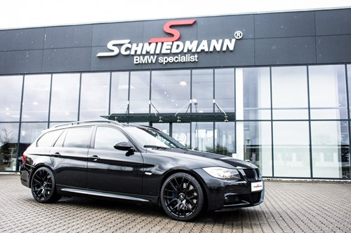 BMW E91 335D All Black Tuning Styling Schmiedmann 1 Med Nummerplade