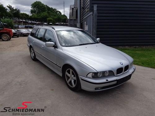BMW E39 Touring 1
