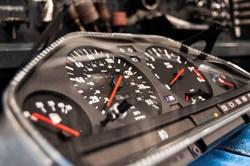 Schmiedmann BMW M3 E30 EVO2 Instrument Cluster 0002