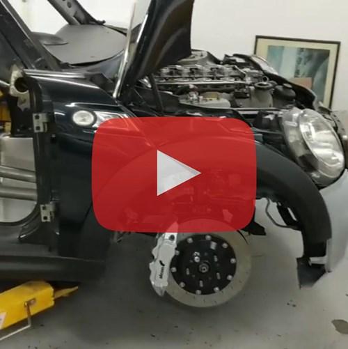 Schmiedmann Vini The V8 Powerflex MINI Video Thumbnail Playbutton