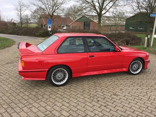 BMW M3 E30 4