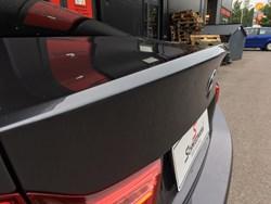 BMW M4  takakontin lipan asennus