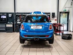 Blue MINI Cooper S Chain Issue