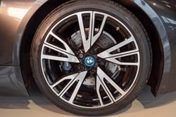 BMW I8 55