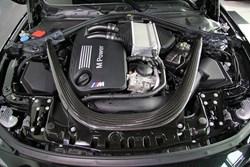 BMW M4 CS 5