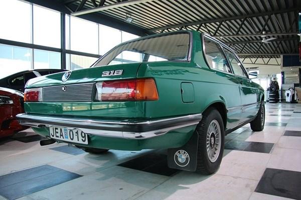 BMW E21 318 Sedan 5